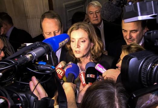 NKM lors d'un point presse improvisé après l'annonce par Anne Hidalgo du rejet et du transfert de la procédure de vote de la Tour Triangle au contrôle de légalité.
