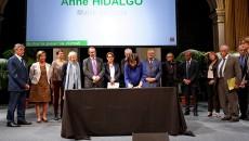Signature du Pacte de l'économie circulaire du Grand Paris le 16 septembre 2015 à la mairie de Paris.