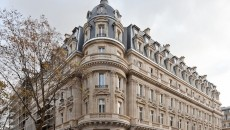 Rue du Louvre.