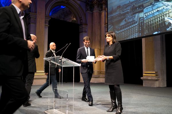 Bruno Julliard et Anne Hidalgo, lors de la cérémonie des vœux aux élus de Paris, mercredi 6 janvier 2016. © Jgp