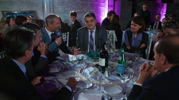 Le club Ville Hybride Grand Paris alterne dîners des personnalités, conférences et visites de terrain. Ici Gilles Bouvelot (Epfif) et Sophie Boissard, qui dirigeait alors SNCF immobilier.