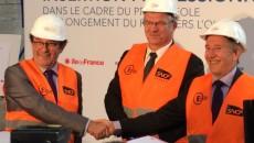 Pierre Bédier, président du conseil départemental des Yvelines, Didier Bense, directeur général SNCF Réseau Ile-de-France, et Patrick Jarry, maire de Nanterre.