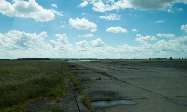Piste de la base aérienne 217 à Brétigny-sur-Orge.