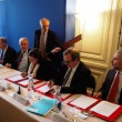 Signature de la convention entre l'Etat et les bailleurs sociaux pour l'accélération et l'amélioration de la production de logement social en Ile-de-France, le 13 juillet 2016. ©JGP