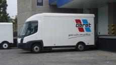 Deret transporteur compte 54 véhicules électriques, 28 porteurs hybrides (diesel/électrique) et 18 roulant au GNV.