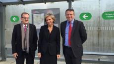 Jean-François Carenco, préfet de région, Valérie Pécresse, présidente de Région, et François Durovray, président du conseil départemental de l'Essonne, lors de l'inauguration du bus express 91-06, le 11 octobre 2016.