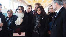 De gauche à droite : Célia Blauel, adjointe à la maire de Paris et Présidente d'Eau de Paris, Anne Hidalgo, maire de Paris et Benjamin Gestin, directeur général d'Eau de Paris. ©JGP