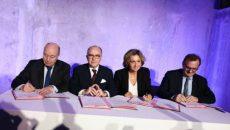 Jean-Michel Baylet, ministre de l'Aménagement du territoire, Bernard Cazeneuve, Premier ministre, Valérie Pécresse, présidente du conseil régional d'Ile-de-France, et Jean-François Carenco, préfet d'Ile-de-France, à Massy pour la signature de l'avenant au CPER, le 7 février.