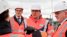 Robin Reda, maire de Juvisy et François Durovray, président du Conseil départemental de l'Essonne, le 22 février 2017, lors de la visite du chantier du pôle intermodal de Juvisy - © Jgp