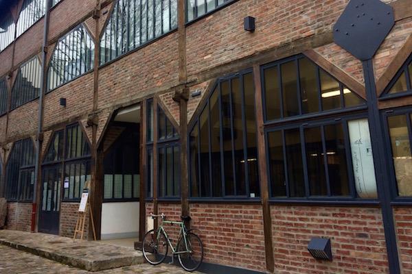 La Cour de l'industrie a été réhabilitée sous la maîtrise d'oeuvre de l'architecte Jacques Menninger. Une cinquantaine d'artisans occupent les lieux. ©Jgp