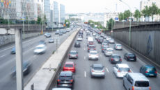 L'autoroute A86 délimite la zone à faibles émissions métropolitaine.
