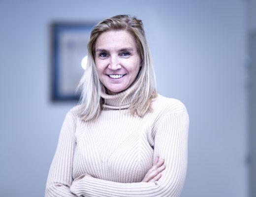 Agnès Evren - Adroite
